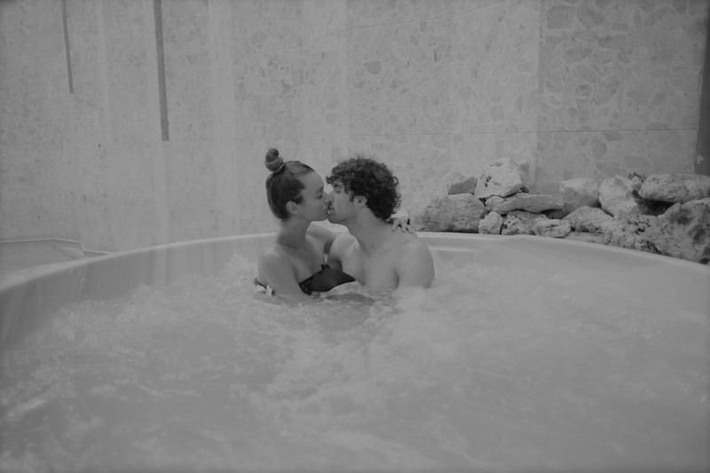 sex in jacuzzi